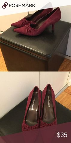 Classic style to compliment casual or dress wear Great condition! Runs large. Depending on the light, the color is maroon. Enzo Angiolini Shoes Heels