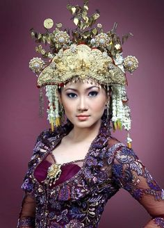 Indonesian/Sumatran bridal headdress