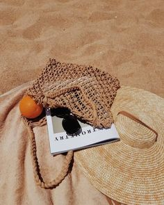 Picnic in the nature. Picnic on the beach. Summer Vibes, Summer Feeling, Beach Aesthetic, Summer Aesthetic, Aesthetic Girl, White Aesthetic, Fred Instagram, Picnic Date, Beach Picnic