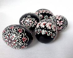 Items similar to Set of 5 Black Hand Decorated Colours Painted Chicken Easter Egg, Traditional Slavic Wax Pinhead Chicken Egg, Kraslice, Pysanka on Etsy Egg Crafts, Easter Crafts, Easter Egg Designs, Easter Peeps, Faberge Eggs, Chicken Eggs, Farm Chicken, Coloring Easter Eggs, Egg Art