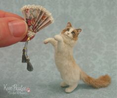 Miniature Ragdoll Cat                                             (sculpture by Pajutee)