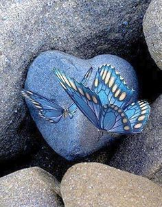My blue stone heart! Butterfly Kisses, Blue Butterfly, Butterfly Wings, Mariposa Butterfly, Madame Butterfly, Butterfly Watercolor, Heart In Nature, I Love Heart, Stone Heart