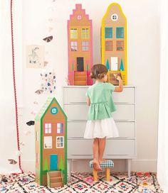 Детское конструирование из бумаги носит не только развлекательный характер. Оно положительно влияет на умственное развитие вашего ребенка, формирует навыки работы с инструментами, бумагой и формами, а также служит неплохим декоративным материалов в организации пространства детской комнаты.