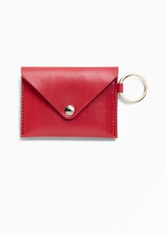 Structured leather offers lasting shape and protection to your cards and cash, all enveloped in a sleek design.