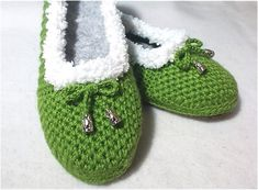 This tutorial resembles one of the most precise instructions on how to crochet one of the most beautiful and comfortable slippers that you can get online. These slippers are warm enough to wear them on the frosty days of winter and cozy enough to rock them at home...