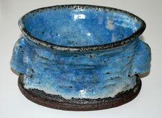 Lis Ehrenrich, bowl in stoneware with handles, own studio Denmark. W: 20x15. H: 10,5 cm.