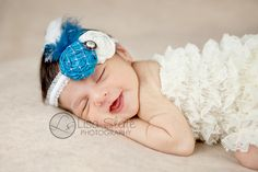 Newborn Photography Tips by Lisa Slate Photography    http://inspiremebaby.com/2011/01/18/guest-blogger-newborn-photography-tips-by-lisa-slate-photography/