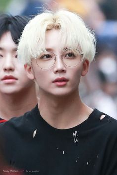 But I'm also a sucker for good Jeonghan photos--hello, beautiful. Woozi, Wonwoo, Seungkwan, K Pop, Pop Bands, Hip Hop, Jooheon, Oppa Ya, Onii San