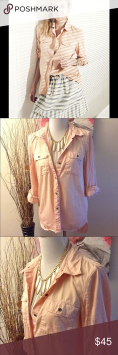 MADEWELL Pinky Peach Tomboy Work Shirt MADEWELL Pinky Peach Tomboy Work Shirt size small. Refined, yet rustic. A lovingly worn in work shirt, it will take you from sunrise to sunset in low key style. Boyfriend fit. 100% cotton. Bust is 36 inches and length is 27 inches. Slightly longer in the back. Madewell Tops Button Down Shirts