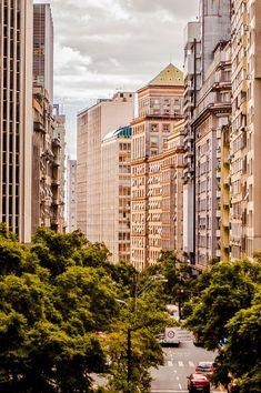 Mar de prédios e árvores - Centro - Porto Alegre