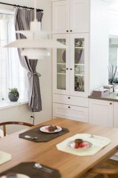 白い框扉のオーダーキッチン の画像|オーダーキッチンではじまるここちよい暮らし