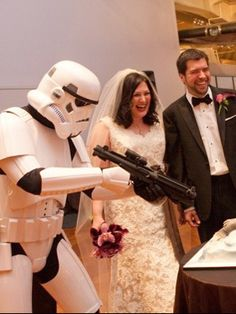 star wars theme wedding- perfect for one of my teachers lol!!!!!!