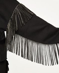 Image 7 of FRINGED SWEATSHIRT from Zara Hijab Fashion, Diy Fashion, Ideias Fashion, Fashion Dresses, Womens Fashion, Fashion Design, Alternative Mode, Alternative Fashion, Gilet Crochet