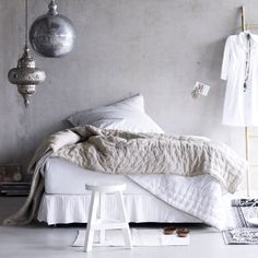 white & neutral bedroom