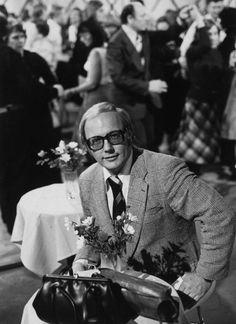 Koko Suomi katsoi Lauantaitansseja peräti 15 vuotta, vuosina 1970–1985. Kuva: Sanoma-arkisto Good Old Times, Finland, Childhood Memories, Tutu, Tv Series, Retro Vintage, Presidents, Nostalgia, Actors