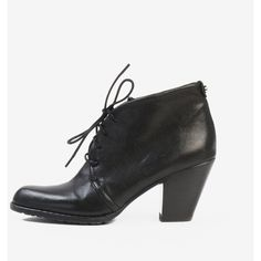 Stuart Weitzman Ankle Boots ($109) ❤ liked on Polyvore featuring shoes, boots, ankle booties, lace-up ankle boots, chunky heel booties, black ankle booties, black bootie and black leather boots