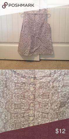 Gray & White Paisley Sleeveless Top Merona Gray & White Paisley Sleeveless Top. Fitted at top & loose at bottom Merona Tops Tunics