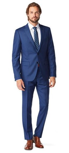 The micro-patterned nailhead weave of the Highbridge appears as a solid from afar, giving this suit quite a bit more depth than you'd expect out of a solid fabric.