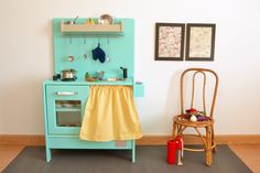 Wooden toy kitchen. BAM model with oven #woodentoy #woodenkitchen #macarenabilbao