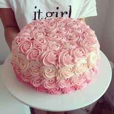 Cakes full of flowers that you deserve to have in your XV years - Torten Deko - Pastel de Tortilla Pretty Cakes, Beautiful Cakes, Ombre Cake, Rose Cake, Occasion Cakes, Sweet Cakes, Cupcake Cookies, Baby Shower Cakes, Cake Designs