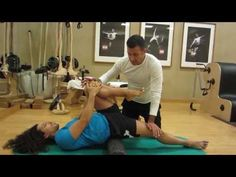 With a couple psoas-releasing stretches, you can help stabilize the spine to help relieve hip, groin and low back issues. Hip Flexor Exercises, Posture Exercises, Back Pain Exercises, Hip Workout, Pilates Workout, Psoas Stretch, Hip Opening Yoga, Psoas Release, Sciatica Stretches