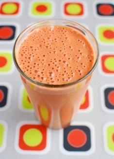Boost that immune system with a blast of potent antioxidants in the form of this delicious smoothie by Dreena Burton containing fresh nut milk, strawberries, goji berries, flax seed and more! Vegan Smoothies, Juice Smoothie, Smoothie Drinks, Smoothie Recipes, Green Smoothies, Nutribullet Recipes, Goji Berry Recipes, Strawberry Recipes, Raw Food Recipes