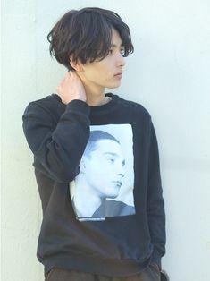 Jungkook Hairstyle, My Hairstyle, Boys Long Hairstyles, Cool Hairstyles, Tomboy Hairstyles, Levi Haircut, Perm Hair Men, Japanese Men Hairstyle, Medium Hair Styles