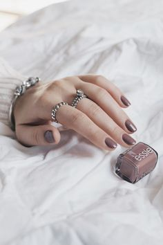 Essie – Clothes Non-compulsory (Swatches & Evaluate) Classy Nails, Stylish Nails, Cute Nails, Pretty Nails, Winter Nail Designs, Colorful Nail Designs, Essie Nail Polish Colors, Nail Colors, Nail Design