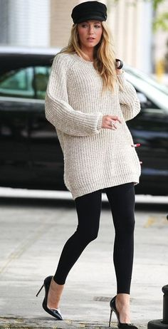 Blake Lively looks great with her newsboy hat.