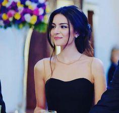 Asu Alacahan // MelisaAsliPamuk Turkish Women Beautiful, Turkish Beauty, Diy Clothes And Shoes, Autumn Aesthetic, Actrices Hollywood, Turkish Actors, Celebs, Celebrities, Hair Art