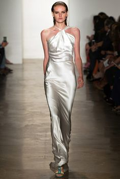Sophie Theallet Spring 2015 Ready-to-Wear Fashion Show Beautiful Gowns, Beautiful Outfits, Look Fashion, Fashion Show, Sophie Theallet, Podium, Silver Dress, White Dress, Designer Gowns