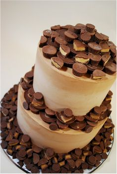 AWESOME idea for a groom's cake and a Groom's Cake Idea: GREAT way to work in something chocolate when your wedding cake is white! You could use any candy bar, really.