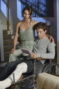 A Very Pretty Little Liars Christmas Special: Wait, what happened to Toby's (Keegan Allen) leg?