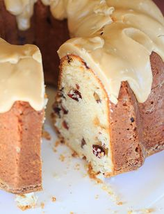 Cranberry Pecan Pound Cake -- Cream Cheese Cinnamon-Ginger Pound Cake filled with Cranberries and Pecans and topped with Praline Frosting Pound Cake Recipes, Frosting Recipes, Dessert Recipes, Desserts, Bunt Cakes, Cupcake Cakes, Cupcakes, Food Cakes, Cake Cookies