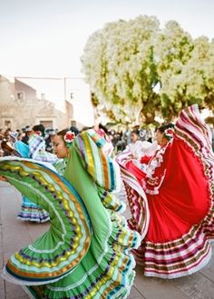 Cince De Mayo Wedding Inspiration (PHOTOS). Recess from your ceremony and into your reception with a traditional Mexican parade, or Callejoneada, complete with Baile Folklorico.