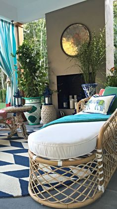 Recreate the look of a blissful tropical retreat with our Bay Breeze seating. | Madcap Cottage for Hampton Designer Showhouse 2015