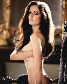 Eva Green is a hot busty 37 year old French actress of theater, film and television, model. Acting career Eva green began in British Actresses, Hot Actresses, Hollywood Actresses, Sexy Girl, Sexy Hot Girls, Divas, Actress Eva Green, Bond Girls, French Actress