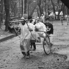 "160 Likes, 1 Comments - Mihir Kambli (@mhr_kambli) on Instagram: ""#peace #nikon #wanderlust #yourshot #indiaig #street #photography #photographers_tr…"""