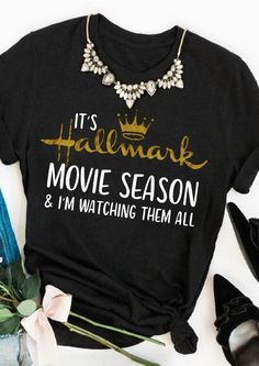 Hallmark Christmas Movies Watching Shirt Baseball T-Shirt Tee. If you love Hallmark Christmas Movies you will NEED this Hallmark Christmas Movie Watching Shirt SVG file! Spend your Christmas in comfort and style in this cute and fun raglan tee. Cute Shirts, Funny Shirts, Trendy Outfits, Cute Outfits, Design Mandala, Christmas Shirts, Christmas Movies, Christmas Tops, Christmas Outfits