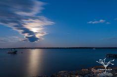 Moonrise at Peel Inlet, Dawesville, Mandurah, Western Australia #vaas8790 #moonrise #peelregion #visitpeel  #mandurah #everythingmandurah ##westernaustralia #thisiswa #amazing_wa #wa #exploreaustralia #australia #canonphotography