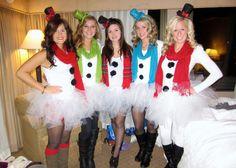 Santa pub crawl! snowwomen, love my friends!
