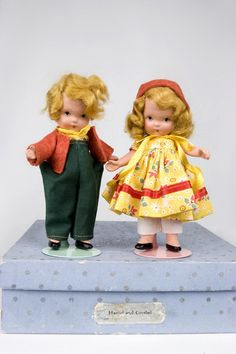 "5 1/4""  Nancy Ann Storybook Hansel and Grethel pair"
