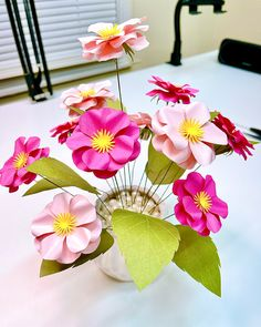 Paper Flowers Wedding, Giant Paper Flowers, Fabric Flowers, Paper Flower Tutorial, Flower Center, Flower Template, Flower Designs, Flower Pots, Templates