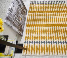 KARUSELLI-matto 160 x 230 cm (Harmaakeltainen)