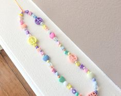Bead Jewellery, Beaded Jewelry, Beaded Bracelets, Embroidery Stitches Tutorial, Bijoux Diy, Clay Beads, Cute Jewelry, Phone Accessories, Diy For Kids