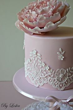 leslea matsis cakes - wedding - wedding cake - piped lace & pink peony - close up
