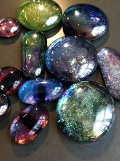 They are shiny and sparkly and sooo much fun to make         I tripped over this youtube tutorial the other day by CraftKlatch. I seriou...