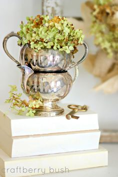 Put dried hydrangea in those old silver pieces, and stack them on books for height. French Decor, French Country Decorating, Silver Trays, Silver Plate, Silver Spoons, Hortensia Hydrangea, Hydrangea Bush, Summer Mantel, Silver Teapot