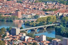 Read Toulouse: la vie en rose in France's pink city