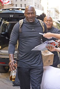 This is a photo gallery of NBA star basketball player Michael Jordan. Michael Jordan Dunking, Michael Jordan Basketball, Chicago Bulls, Michael Jordan Pictures, Michael Jordan Art, Mvp Basketball, Basketball Pictures, Jordan Quotes, New York City Pictures